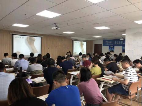 【财富广场校区】7.12(周日)全程5班盛大开班